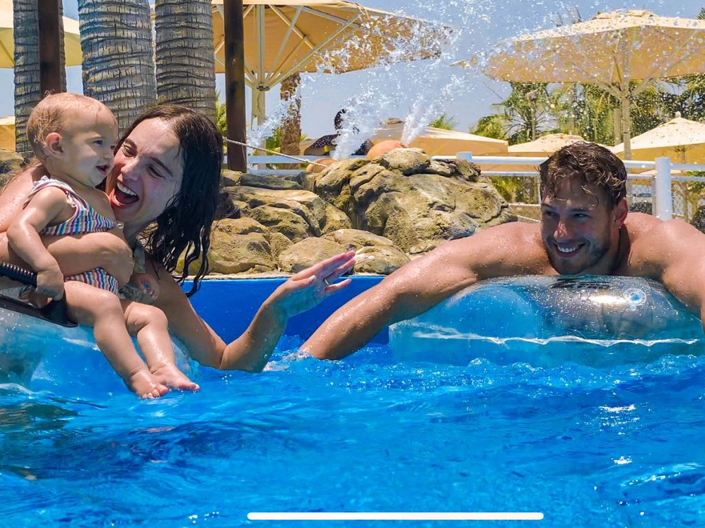 Radisson Blu Hotel Dubai Deira Creek is giving Free tickets to Laguna Waterpark and Green Planet for all its guests